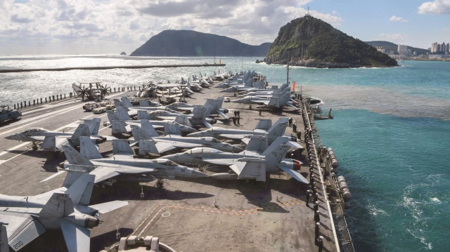 guam-adası-askeri-yığınak